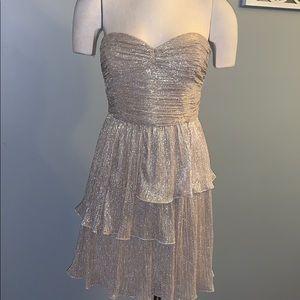 Beautiful gold dress size 8